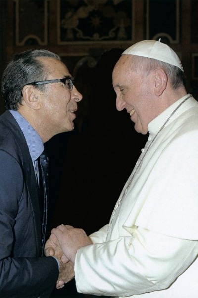 An audience with His Hollines Pope Francis, to explain the activities of the Khalili Foundation - December 2013