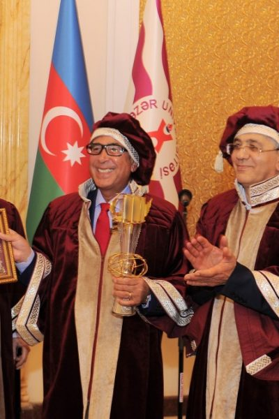 Professor Sir Nasser D. Khalili received the Eurasian Legend Award from Professor Hamlet Isakhanli, Founding Member of the Eurasian Academy