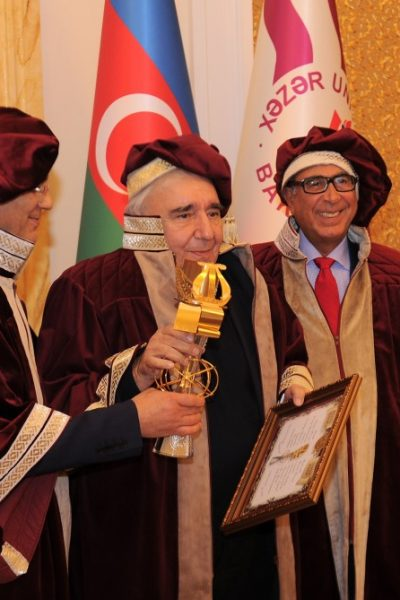 Sir David received the Eurasian Legend Award from Professor Hamlet Isakhanli, Founding Member of the Eurasian Academy